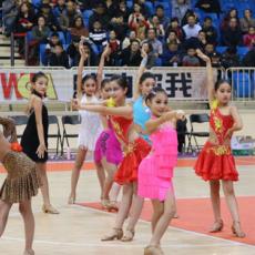 耳目一新!全国女篮蓬莱赛区惊现少儿啦啦队