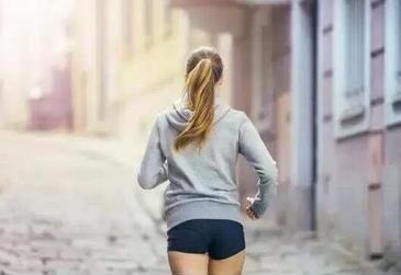 缺乏运动的风险比吸烟等更高