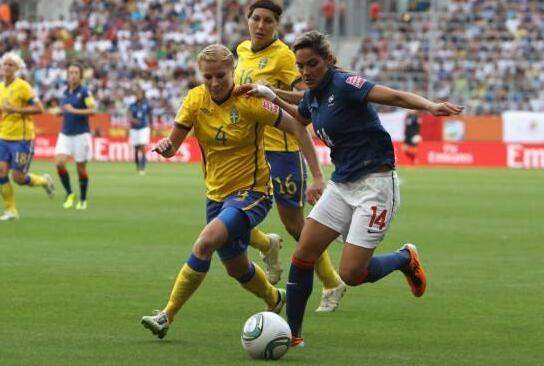 美国女足夺得世界杯冠军 老队长独揽金球金靴