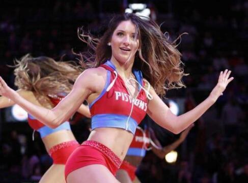 NBA美女啦啦队队员的收入有多少?在美国属于哪个层次?
