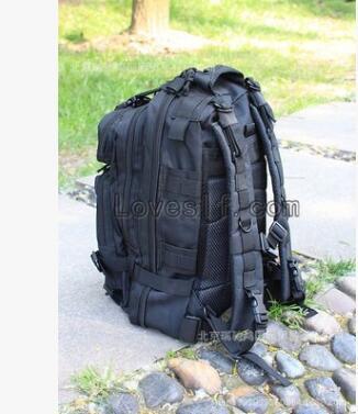 工厂大量现货厂家批发户外野营休闲包 战术迷彩背包