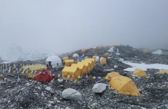 尼泊尔正式确认:珠峰地区没有发生健康危机